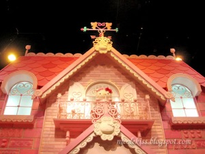 hello-kitty-house-roof